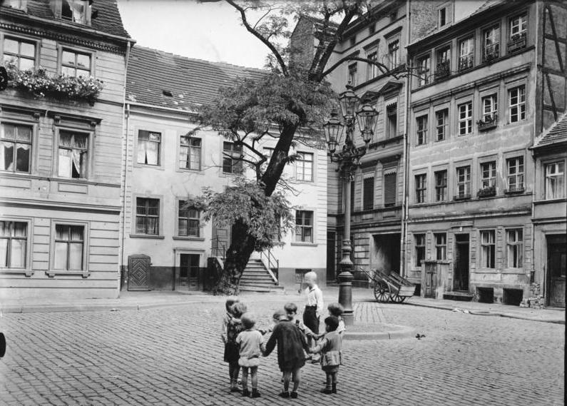Jüdenhof, spielende Kinder, 1930
